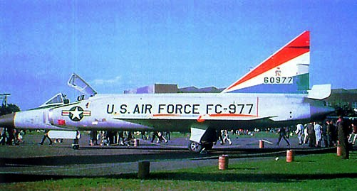 F-102 A (32nd FIS - Waddington  - 1961)